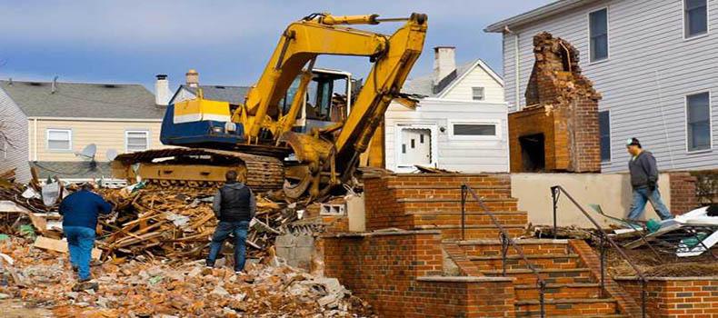 استخدام یک تیم پیمانکاری خوب برای عملیات تخریب