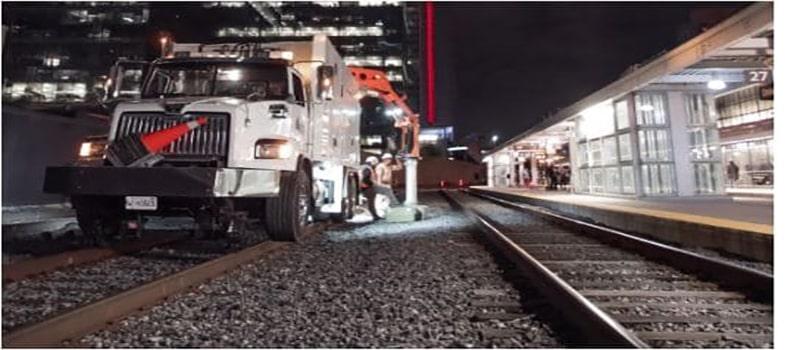 تجهیزات ساکشن خاکبرداری بر روی ریل قطار